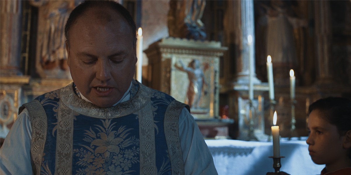 Fr. Valentín reads and understands: Mary went in haste to the Mountain.